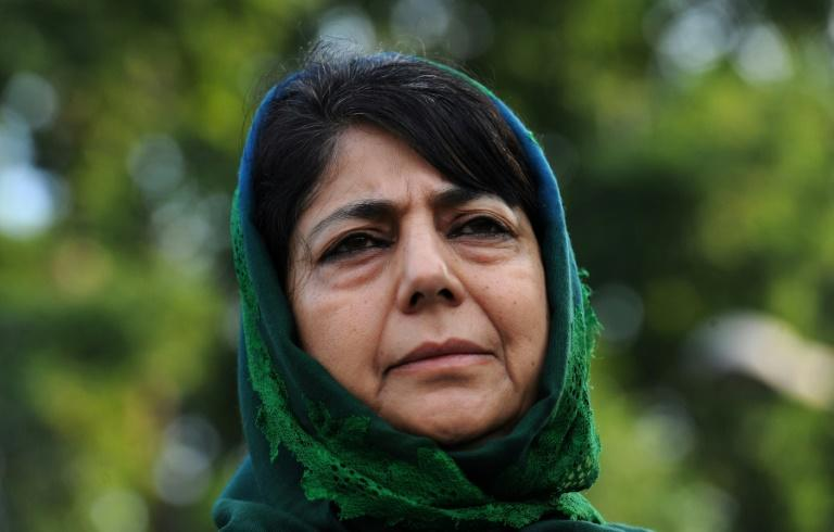 India frees top Kashmir politician after 14 months