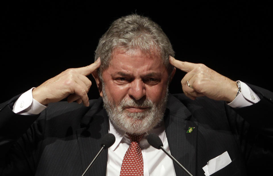 Brazil's President Luiz Inacio Lula da Silva attends a meeting of Brazilian and El Salvadorean businessmen in Sao Paulo August 9, 2010. REUTERS/Paulo Whitaker  (BRAZIL - Tags: POLITICS BUSINESS IMAGES OF THE DAY PROFILE)