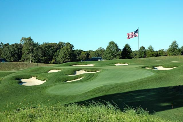 "<div class=""caption""> The 16th green at TPC Potomac (Avenel Farms). </div>"