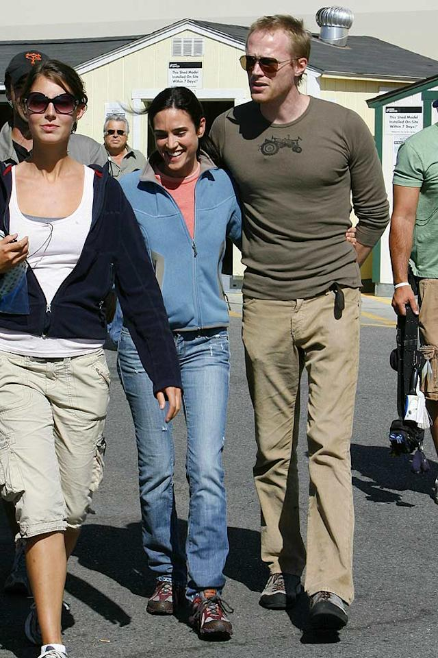 "Paul Bettany visits wife Jennifer Connelly while she films scenes at Home Depot for the upcoming flick ""He's Just Not That Into You."" Dean Chapple/<a href=""http://www.splashnewsonline.com/"" target=""new"">Splash News</a> - October 2, 2007"