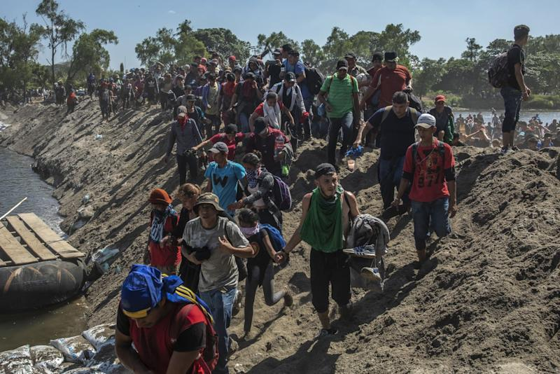 Supreme Court Lets Trump Make Asylum-Seekers Stay in Mexico
