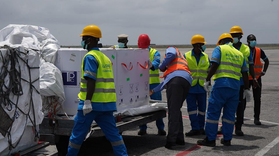 On February 26, 2021, a plane carrying 504,000 doses of COVID-19 vaccines distributed by the COVAX Facility landed in Abidjan, Ivory Coast.
