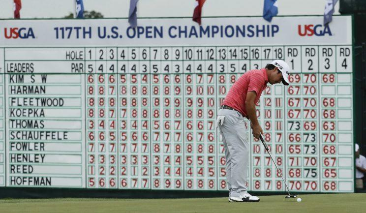 Brian Harman putts in front of a not-so-who's-who of a leaderboard at the U.S. Open. (AP)