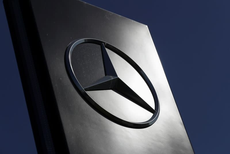 Daimler seeks to sell French factory in production overhaul