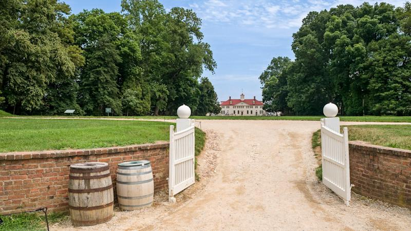 """""""The entrance of Mount Vernon, the home of former president of the USA George Washington."""