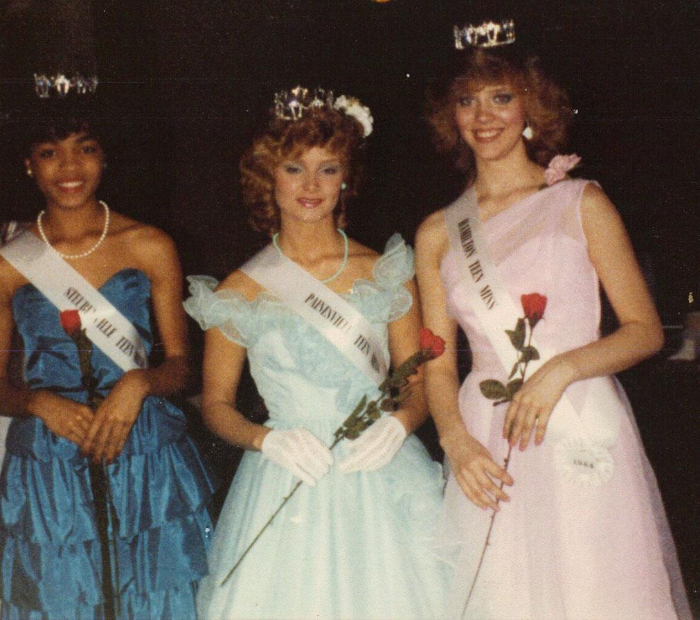 <p>Who's that girl? Berry, left, first made a splash on the pageant circuit, winning Miss Teen All-American in 1985 and Miss Ohio USA the following year. In 1986, she finished second in the Miss USA contest and sixth in Miss World. This launched Halle's modeling career, which quickly evolved into acting roles, and the rest is history. (Photo: Splash News) </p>