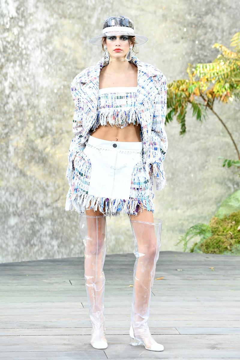Kaia Gerber walks the runway during the Chanel Paris show as part of the Paris Fashion Week Womenswear Spring/Summer 2018 on October 3, 2017 in Paris, France. (Photo by Pascal Le Segretain/Getty Images)