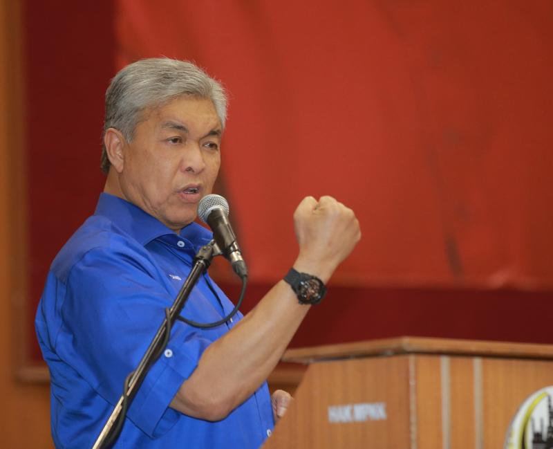 Ahmad Zahid believes that the state BN can win up to 29 out of the 31 parliamentary seats in Sarawak. — Picture by Marcus Pheong
