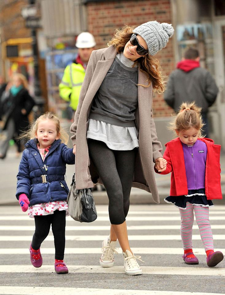 North/South America Rights Only, New York, NY 01/15/13-Sarah Jessica Parker Walks Twin Daughters to School -PICTURED: Sarah Jessica Parker with Daughters (Tabitha Hodge and Marion Loretta) -PHOTO by: JAVIER MATEO/startraksphoto.com -MAT_9357118 Editorial - Rights Managed Image - Please contact www.startraksphoto.com for licensing fee Startraks Photo New York, NY For licensing please call 212-414-9464 or email sales@startraksphoto.com