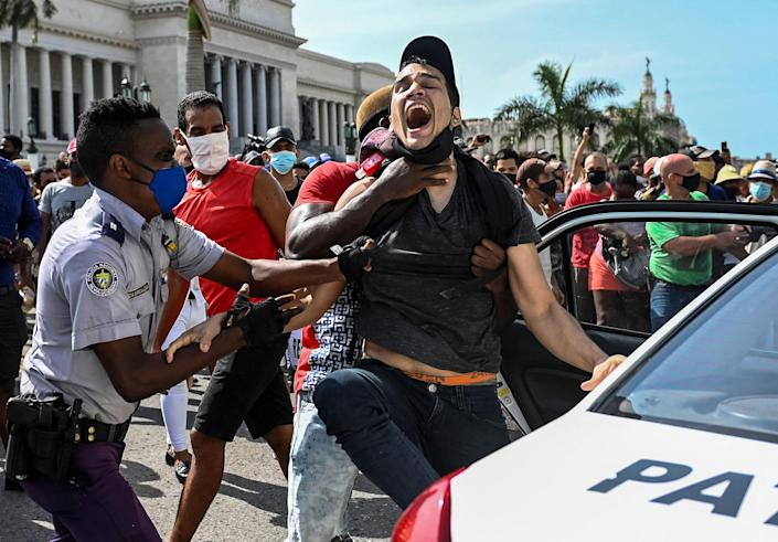 Image: Protests in Cuba (Yamil Lage / AFP - Getty Images)