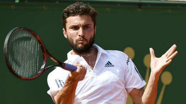Simon and Paire progress in Hamburg