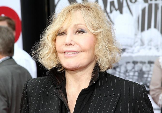 Kim Novak arrives at 2014 TCM Classic Film Festival's Opening Night Gala at the TCL Chinese Theatre on Thursday, April 10, 2014 in Los Angeles. (Photo by Annie I. Bang /Invision/AP)