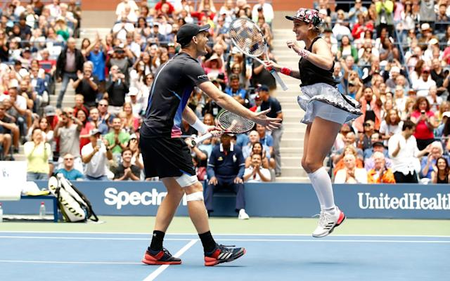Jamie Murray and Bethanie Mattek-Sands celebrate their victory - Getty Images North America