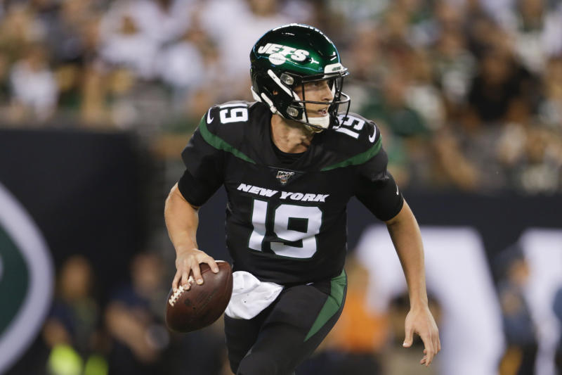New York Jets quarterback Trevor Siemian left Monday's game with an injury. (AP)