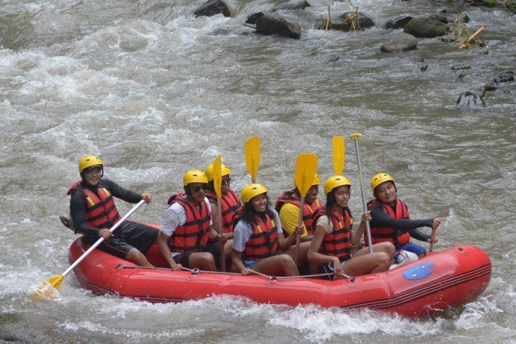 The Obama family hitting the Balinese rapids. (Photo: Getty Images)