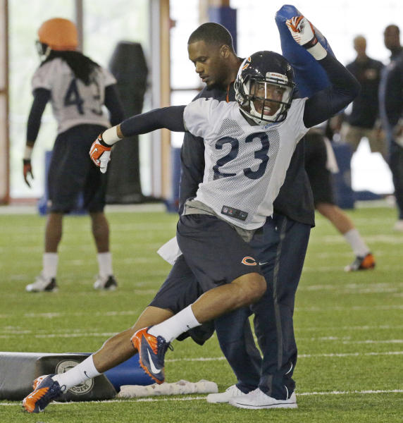 Chicago Bears cornerback Kyle Fuller runs a drill during a rookie football mini-camp in Lake Forest, Ill., on Friday, May 16, 2014. (AP Photo/Nam Y. Huh)