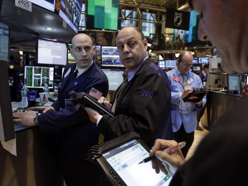 US economic fears weigh on markets ahead of Fed