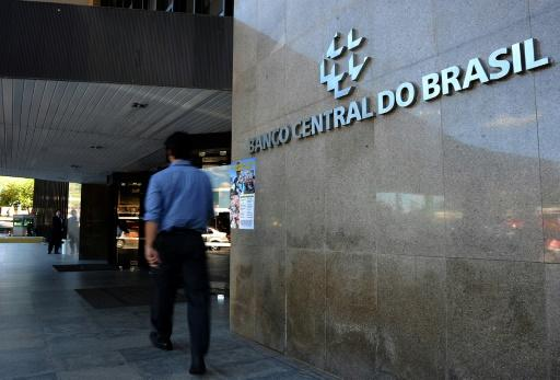 Brazil central bank keeps key interest rate at 14.25%