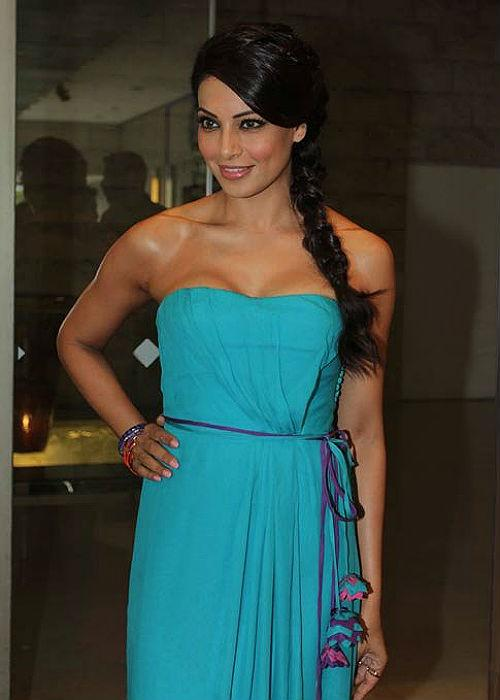 "<p class=""MsoNormal""><strong style="""">Bipasha:</b> <br>The Bong beauty loves experimenting with her hair and this needs no proof! Her recent fringe look took Bollywood by storm, after which many other B-town babes tried their hands at it. Be it braids or a simple pony, Bipasha is just the right person to go to if you need hairstyles cues.</p>"