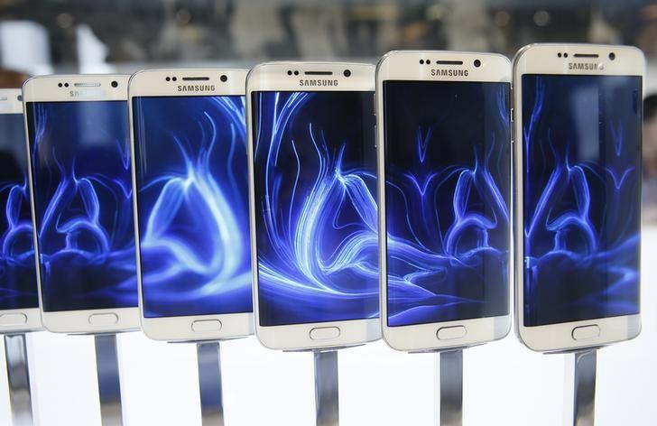 A row of Galaxy S6 edge smartphones are seen on display after the Samsung Galaxy Unpacked event in Barcelona