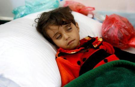 UN aid chief in Yemen warns of cholera rise without more aid