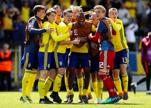 Soccer Football - UEFA European Under-17 Championship - Group B - Norway v Slovenia - Pirelli Stadium, Loughborough, Britain - May 10, 2018 Sweden players celebrate after the match Action Images via Reuters/Jason Cairnduff