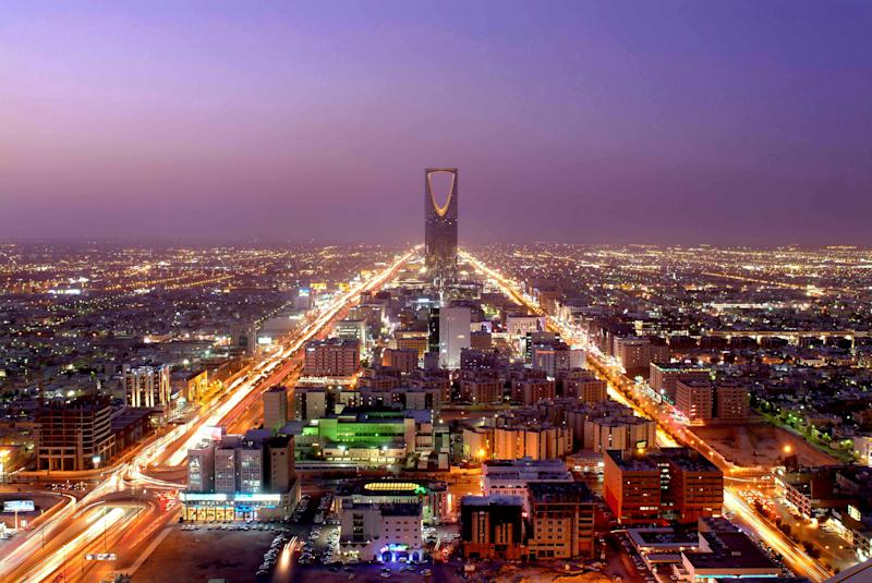 Leaders from several Gulf nations descended upon Riyadh, Saudi Arabia, on Sunday to hold a meeting ahead of their annual summit in Doha, Qatar, on December 9-10, in a last-ditch effort to overcome internal differences