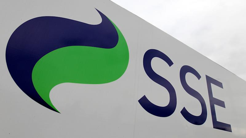 SSE cuts earnings outlook over lost customers