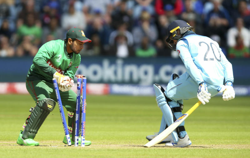 Despite complaints from players, ICC refuses to change 'zing' bails