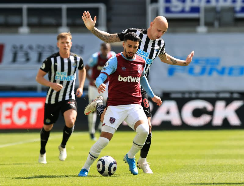 Premier League - Newcastle United v West Ham United