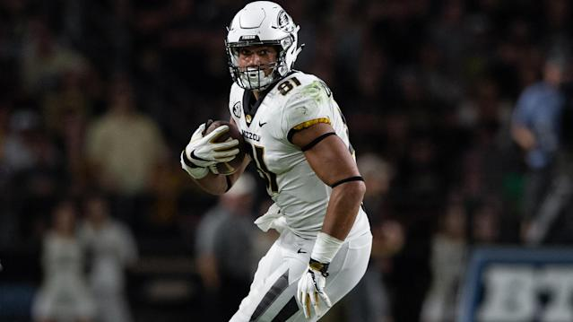 Hayden Winks analyzes the college fantasy football tight end landscape with player projections, sleepers and breakout candidates. (Getty Images)