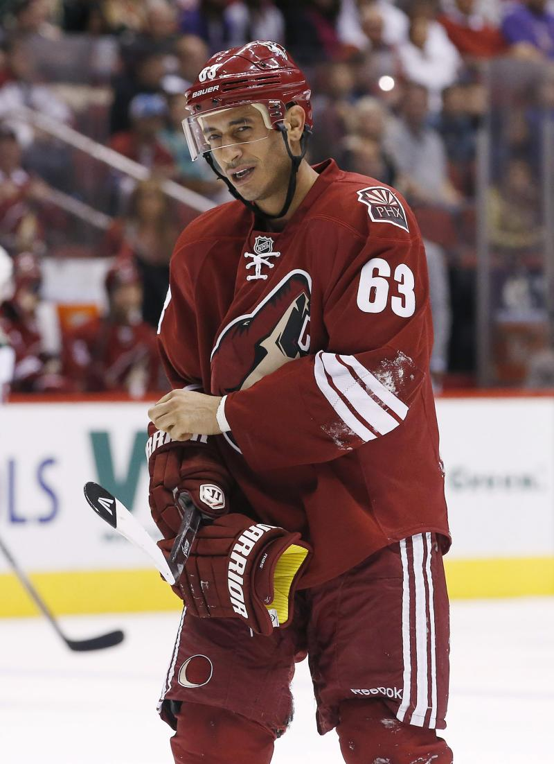 Predators sign Ribeiro, Roy to 1-year contracts