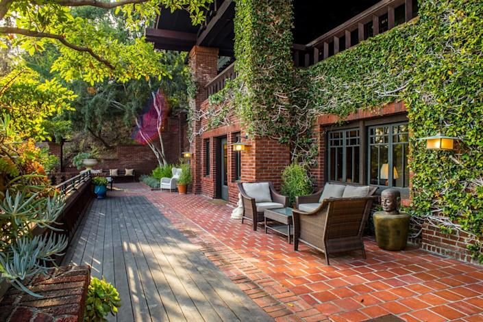 <p>Artemesia has numerous terraces and porches that ease the transition from indoors to out.</p>