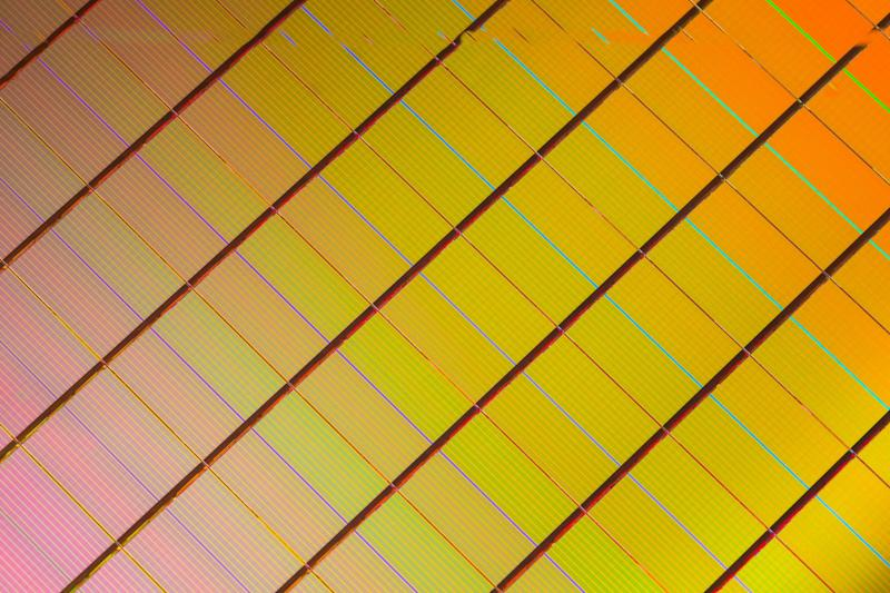 Intel, Micron to bring 3D XPoint Optane drives to consumer PCs by end of 2016