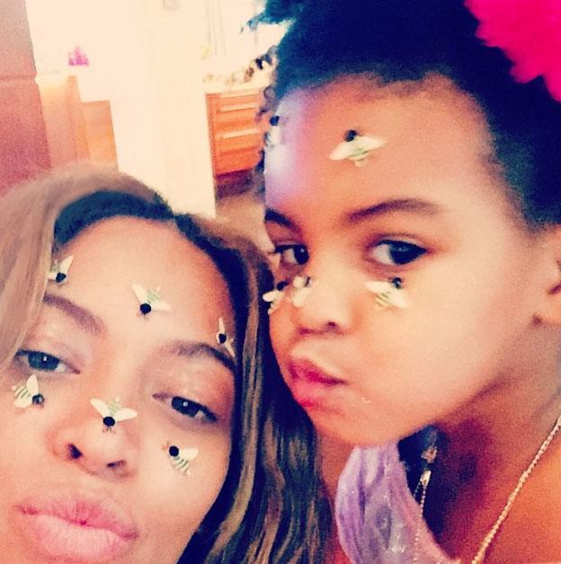 <p>The mother-daughter duo cozied up for a buzz-worthy, silly selfie.</p>