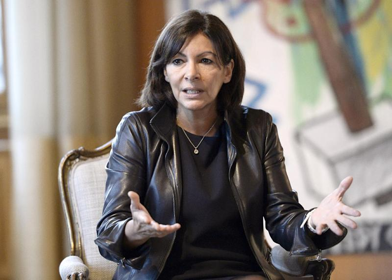 Mayor of Paris Anne Hidalgo, seen here at the city hall of Paris on November 17, 2014, will formally submit her anti-pollution plan next month (AFP Photo/Stephane de Sakutin)