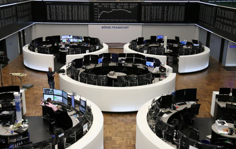 European shares edge lower at the end of strong quarter