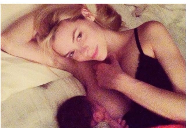 "<p>Jaime King protested against anti-breastfeeding supporters with this photograph. The model captioned the Instagram image, ""Breastfeeding should not be taboo."" <i>[Jamie King/Instagram]</i> </p>"