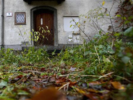 File photo of the entrance of the house of art collector Cornelius Gurlitt is pictured in Salzburg November 6, 2013. REUTERS/Dominic Ebenbichler/Files