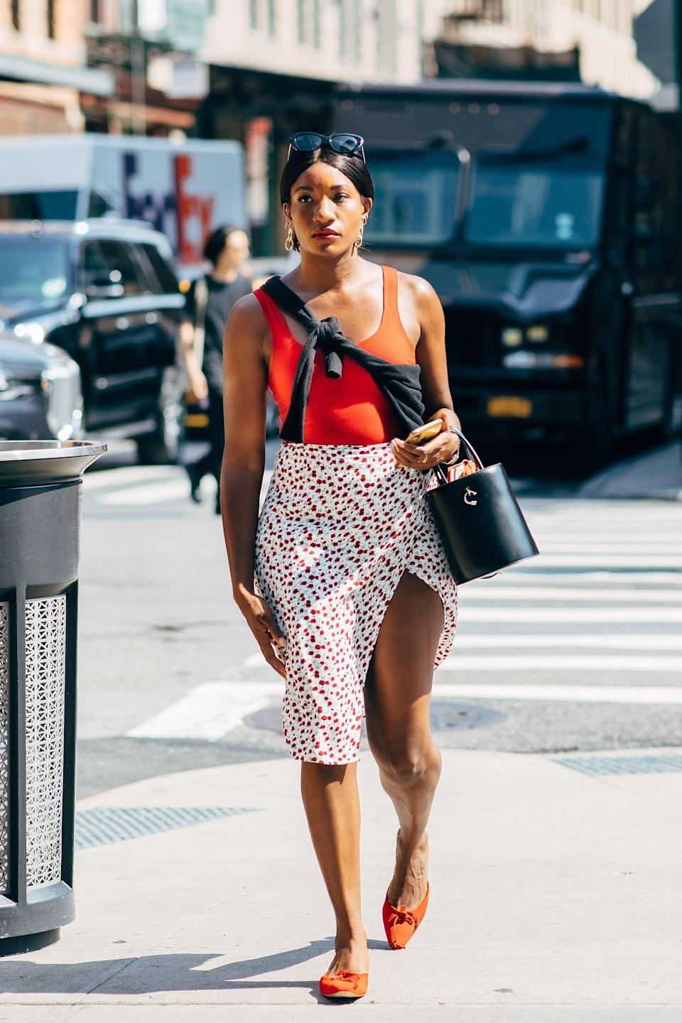 <p>A skirt doesn't have to be fussy - just top it with an understated tank. </p>