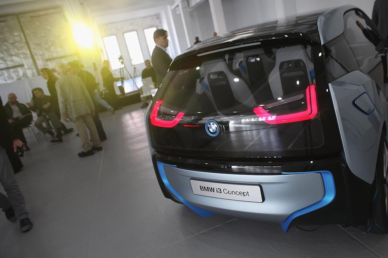 Bmw Unveils New Hybrid Concept Cars