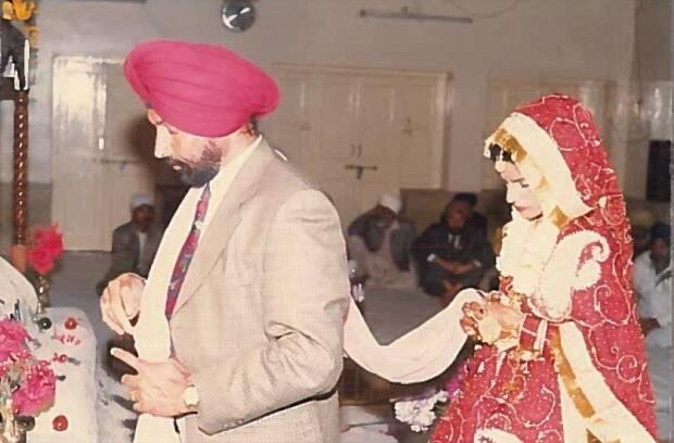 Paramjit and Charanjit in a photo of their 1999 wedding.