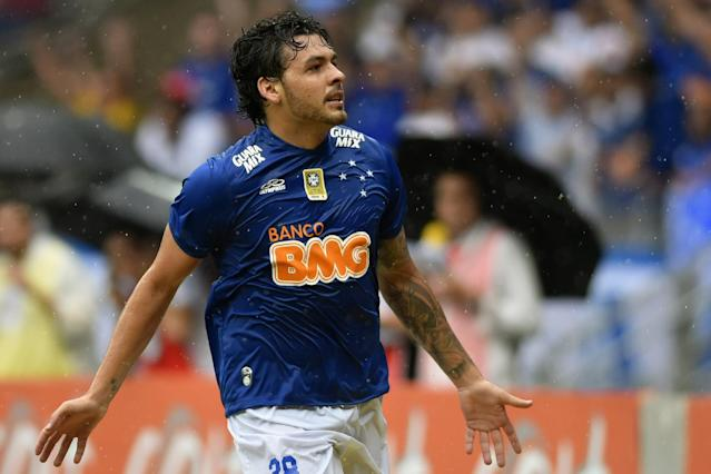 Ricardo Goulart celebrates a goal during a Brazilian Championship football match in Belo Horizonte, on November 23, 2014 (AFP Photo/Alex Araujo)