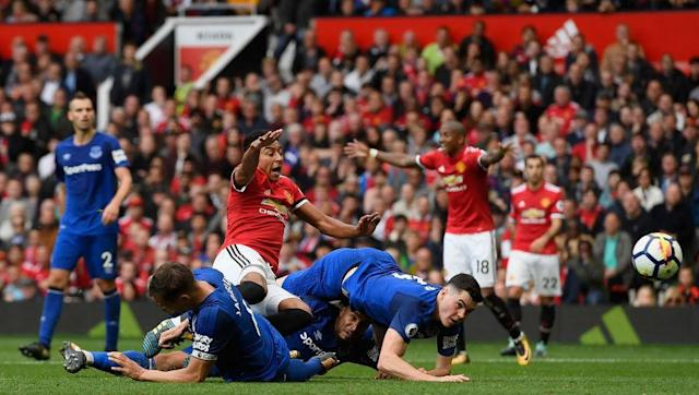 <p>Ronald Koeman chose to revert to a back 5 for Sunday's game at Old Trafford, with Michael Keane, Ashley Williams and Phil Jagielka in the centre and the width provided by Cuco Martina and Leighton Baines.</p> <br><p>Although the backline has the experience of Williams, Jagielka and Baines, they struggled to cope with the pace and power of the United frontline, making numerous errors one of which was punished by Mkhitaryan.</p> <br><p>Keane has struggled to adapt to life at Goodison Park and at times in the first half Everton found that they had everyone in their own half trying to keep the home side out. With the worst goal difference in the league Koeman will need to turn it around if he wants to get the Toffees to where they want to be.</p>