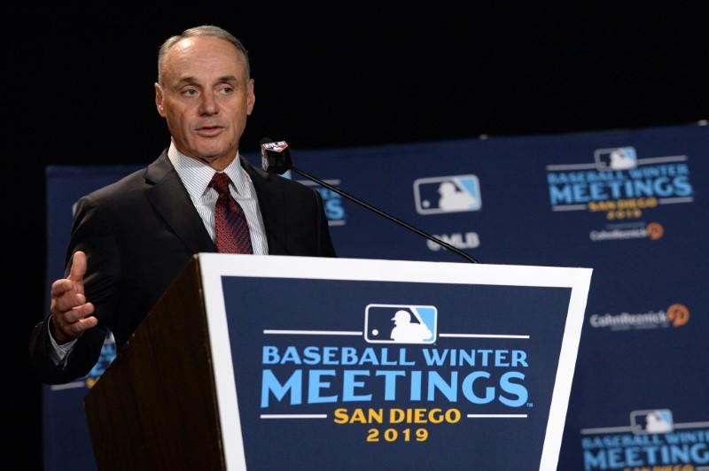 Manfred, MLB expect 16-team playoff format to continue