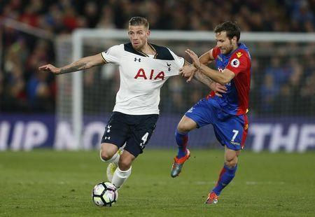 Britain Soccer Football - Crystal Palace v Tottenham Hotspur - Premier League - Selhurst Park - 26/4/17 Tottenham's Toby Alderweireld in action with Crystal Palace's Yohan Cabaye Action Images via Reuters / Matthew Childs Livepic
