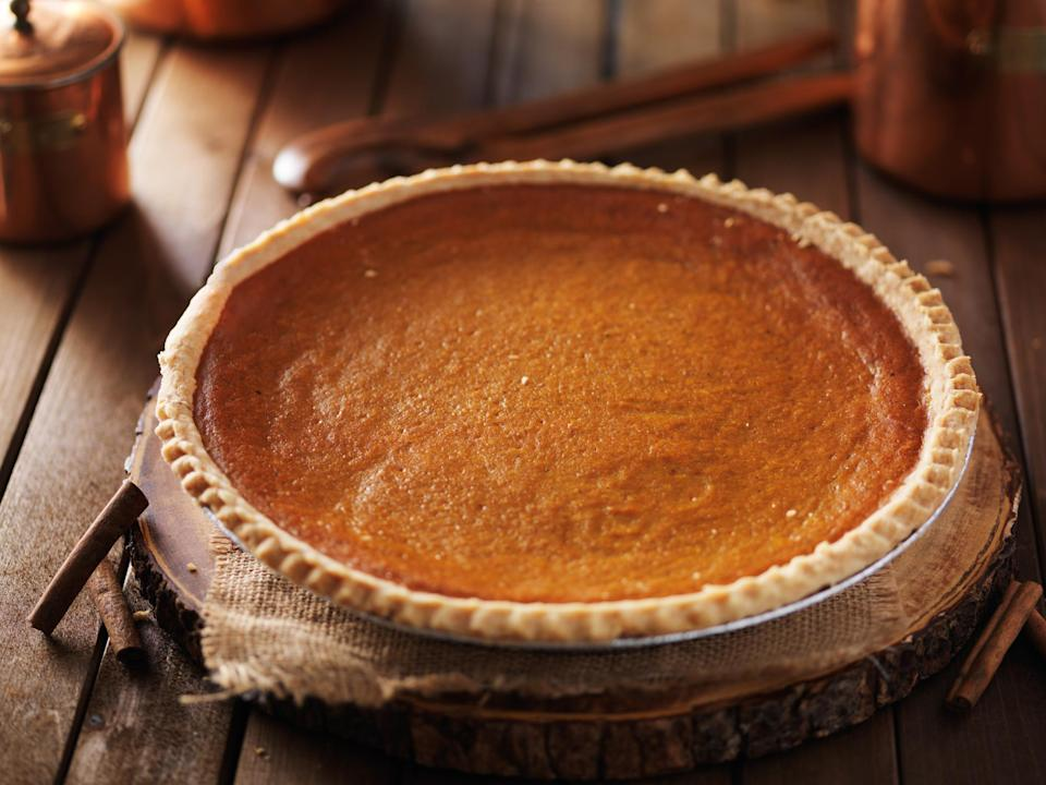 "<p>Illinois might be famous for its deep-dish style of pizza that looks like a pie, but the state's pie of choice is pumpkin pie. The dessert became the official state pie several years ago due to the state's pumpkin production. A <a href=""https://www.thedailymeal.com/holidays/thanksgiving-side-dishes-ranking?referrer=yahoo&category=beauty_food&include_utm=1&utm_medium=referral&utm_source=yahoo&utm_campaign=feed"" rel=""nofollow noopener"" target=""_blank"" data-ylk=""slk:Thanksgiving classic"" class=""link rapid-noclick-resp"">Thanksgiving classic</a>, no holiday gathering would be complete without one.</p>"