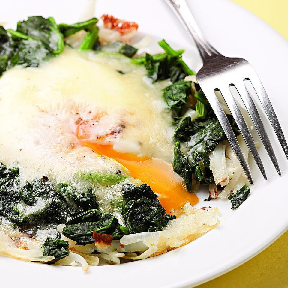<p>Here's a super-quick all-in-one-skillet breakfast to start your day, loaded with hash browns, spinach, egg and cheese.</p>