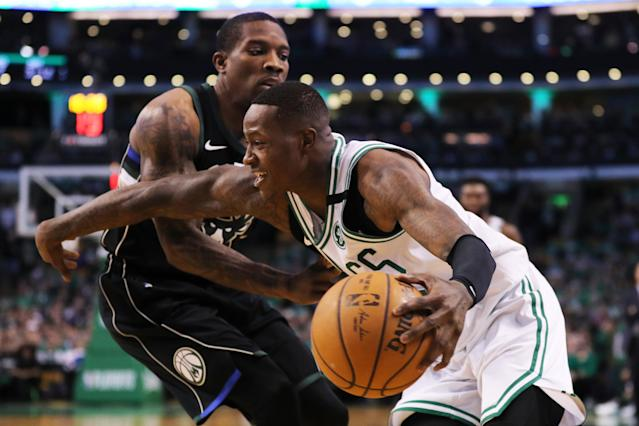 "<a class=""link rapid-noclick-resp"" href=""/nba/players/4749/"" data-ylk=""slk:Eric Bledsoe"">Eric Bledsoe</a> defends a man he insists he does not know. (Getty)"