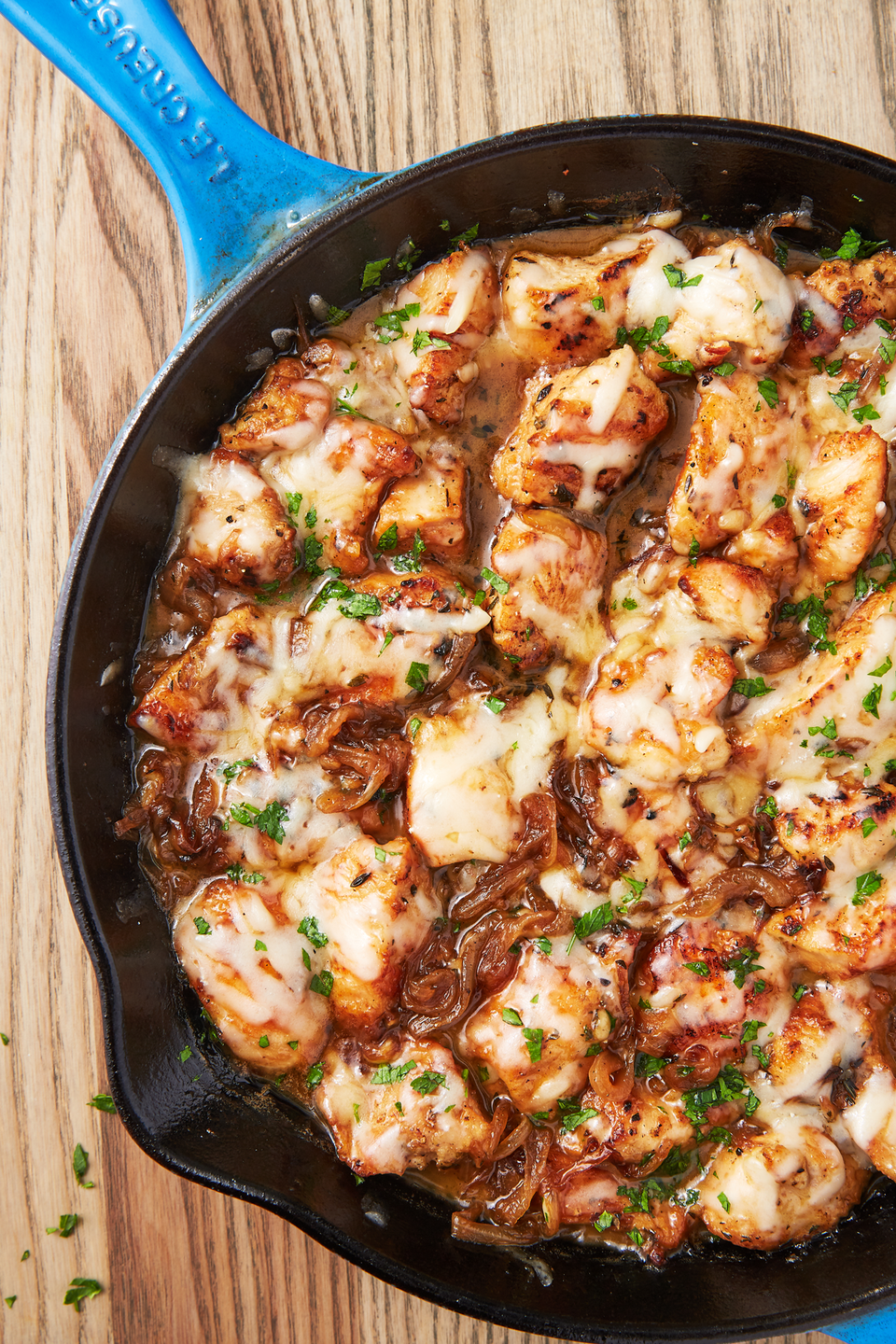 """<p>We love that this recipe comes together in one skillet and in less than an hour, meaning it's WAY faster than <a href=""""https://www.delish.com/cooking/recipe-ideas/a44297/easy-french-onion-soup-recipe/"""" rel=""""nofollow noopener"""" target=""""_blank"""" data-ylk=""""slk:French Onion Soup"""" class=""""link rapid-noclick-resp"""">French Onion Soup</a>. </p><p>Get the recipe from <a href=""""https://www.delish.com/cooking/recipe-ideas/recipes/a58148/french-onion-chicken-recipe/"""" rel=""""nofollow noopener"""" target=""""_blank"""" data-ylk=""""slk:Delish"""" class=""""link rapid-noclick-resp"""">Delish</a>.</p>"""
